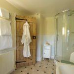 Bedroom2_Bathroom (1)