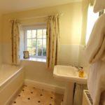 Bedroom2_Bathroom (2)