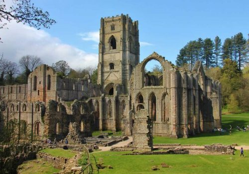 Fountain_Abbey_1